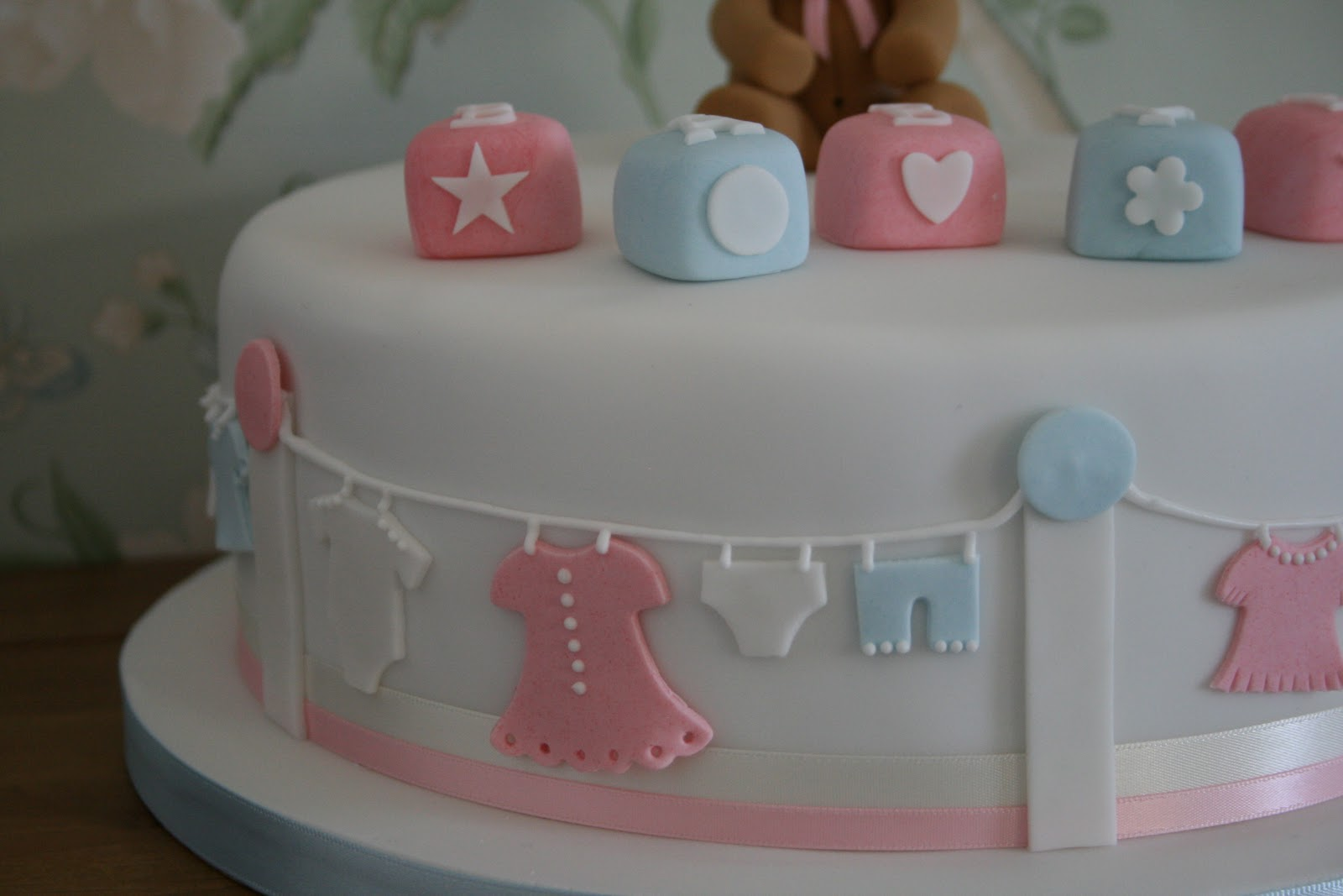 Cake Design Baby Shower Girl : lauralovescakes...: Baby Shower Cake