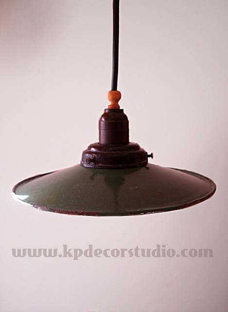 comprar lámparas vintage, de techo, estilo industrial años 30, estilo vintage, antigua, esmaltada, color verde