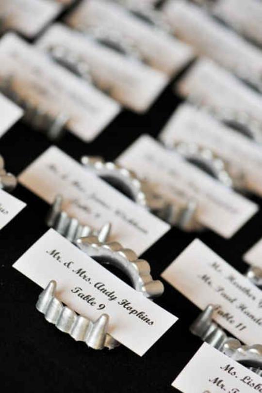 Halloween Wedding skull ideas table card holder