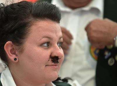 Campeonato de cheirar Tabaco  na Alemanha Snuff World Cup