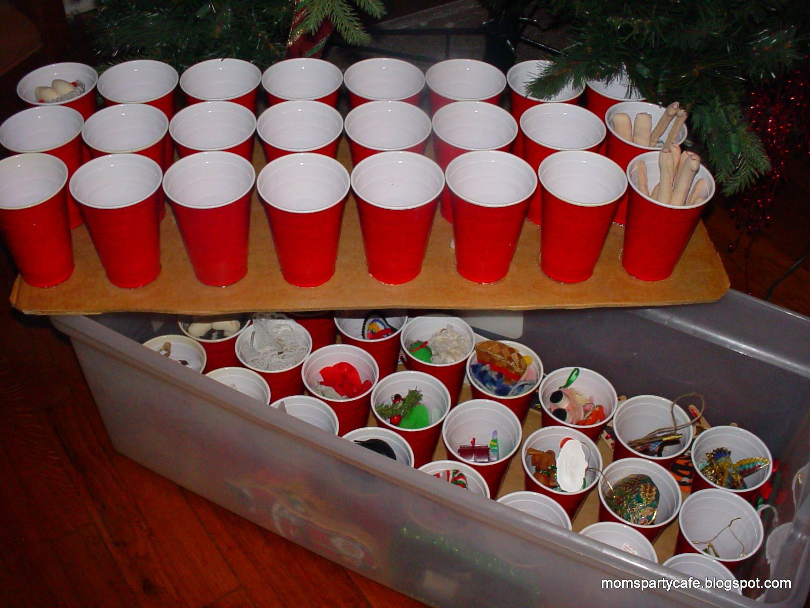 Moms' Party Café: Savvy Tip: Putting Christmas Away