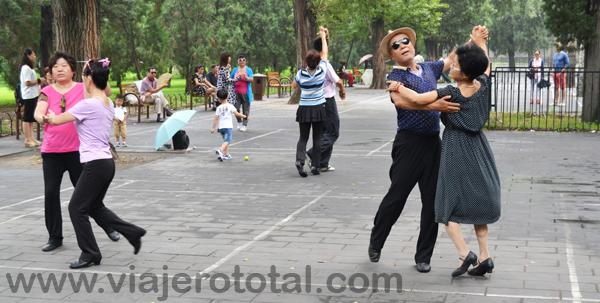 Bailando en el Templo del Cielo, Beijing