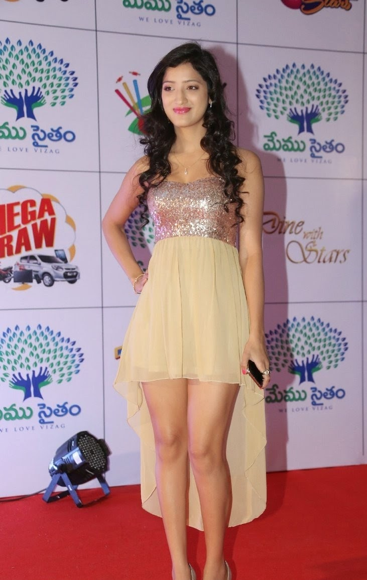 Richa Panai in Ultra Spicy Short Top amd Micro Mini Skirt Memu Saitam Dinner with Stars Red Carpet