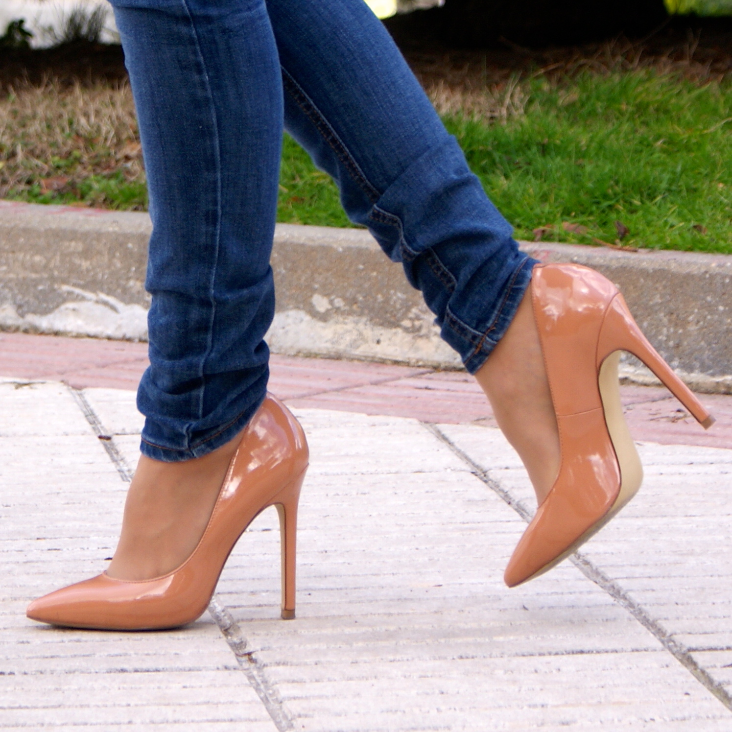nude stiletto, la strada shoes