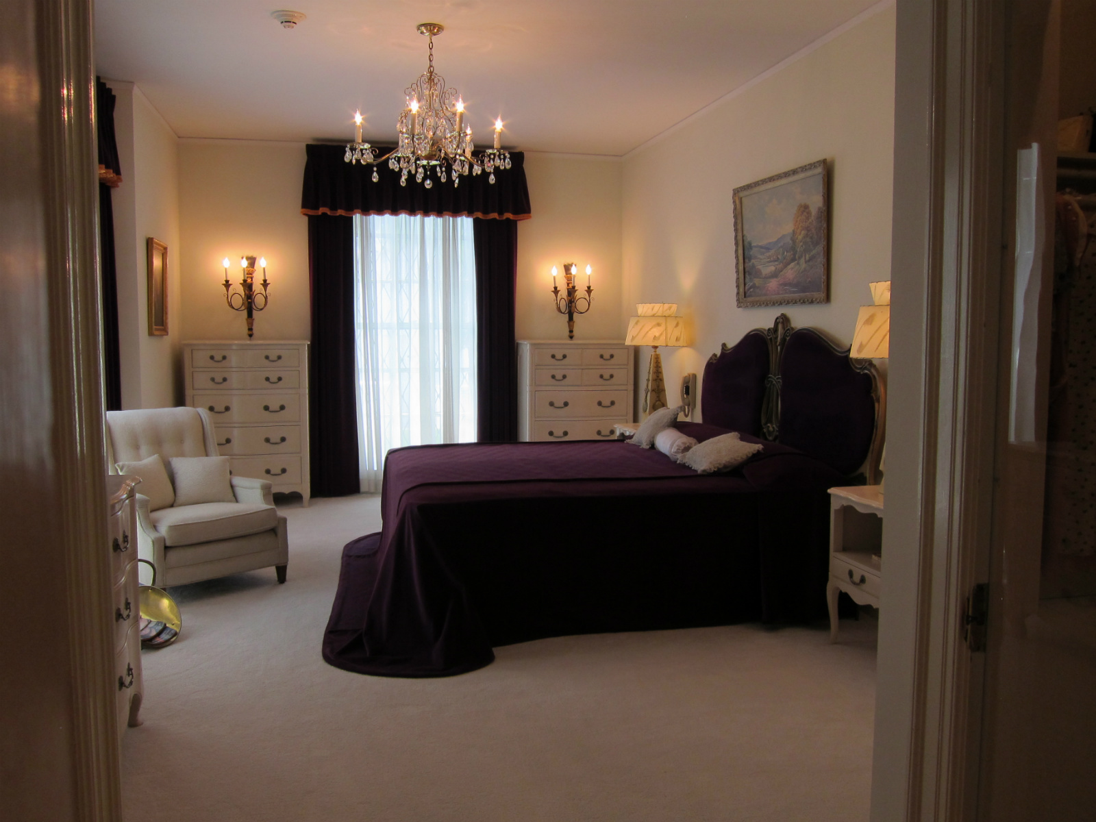 elvis presley bedroom at graceland