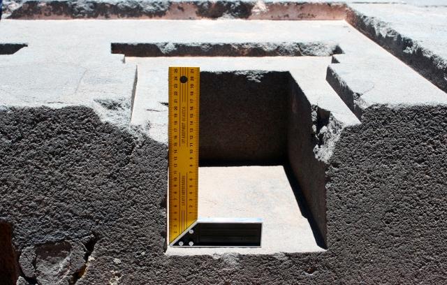 Evidence of Advanced Ancient Technology: Puma Punku IMG_4387-2-640x408