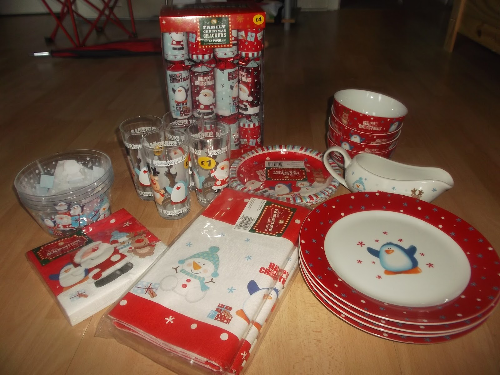 We looked at a few and loved some from Bu0026M but then we went to Morrisons and came home with this set. & Chickywiggleu0027s Blogspot: Christmas guides - Tableware