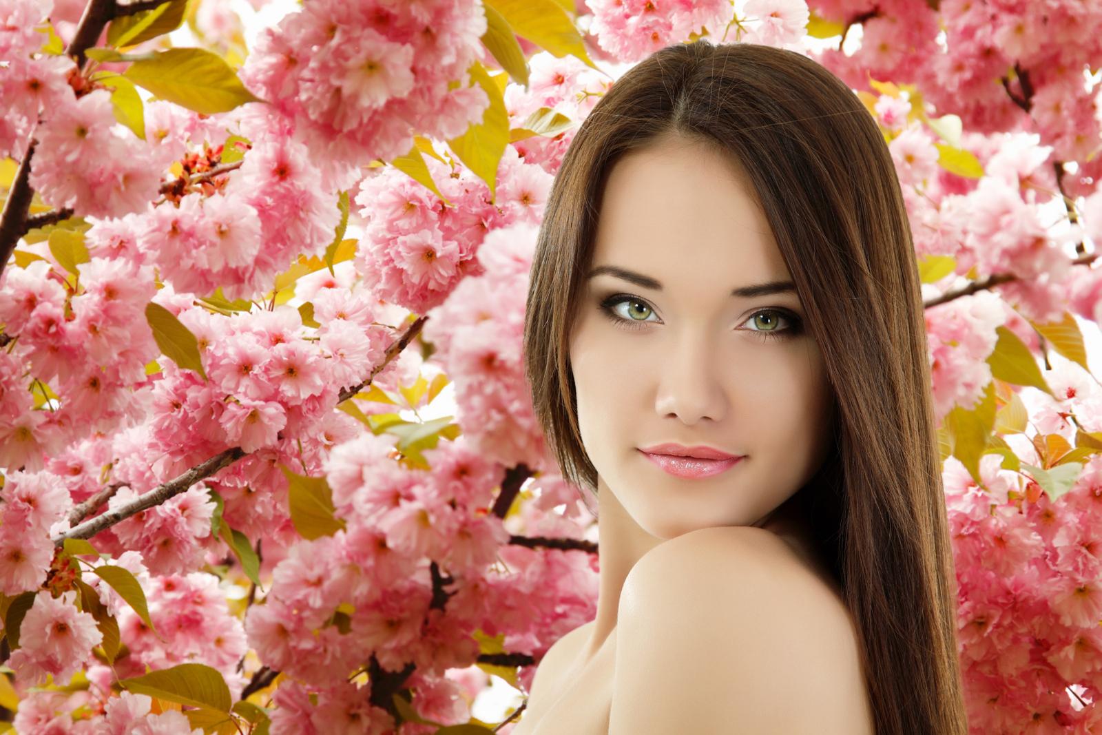 http://1.bp.blogspot.com/-rpmIdv1nYY4/T0Nyqq2paNI/AAAAAAAABEk/5qMJEcA3EbM/s1600/Spring+Lady+Wallpaper_cinemad_70mm+(4).jpg