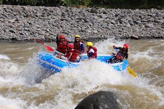 Rafting / Arung Jeram sungai Serayu