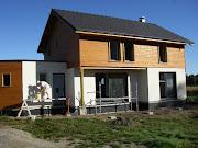 Votre ARCHITECTE MAISON BOIS se tient à votre disposition pour toute demande . maison bois bbc architecte