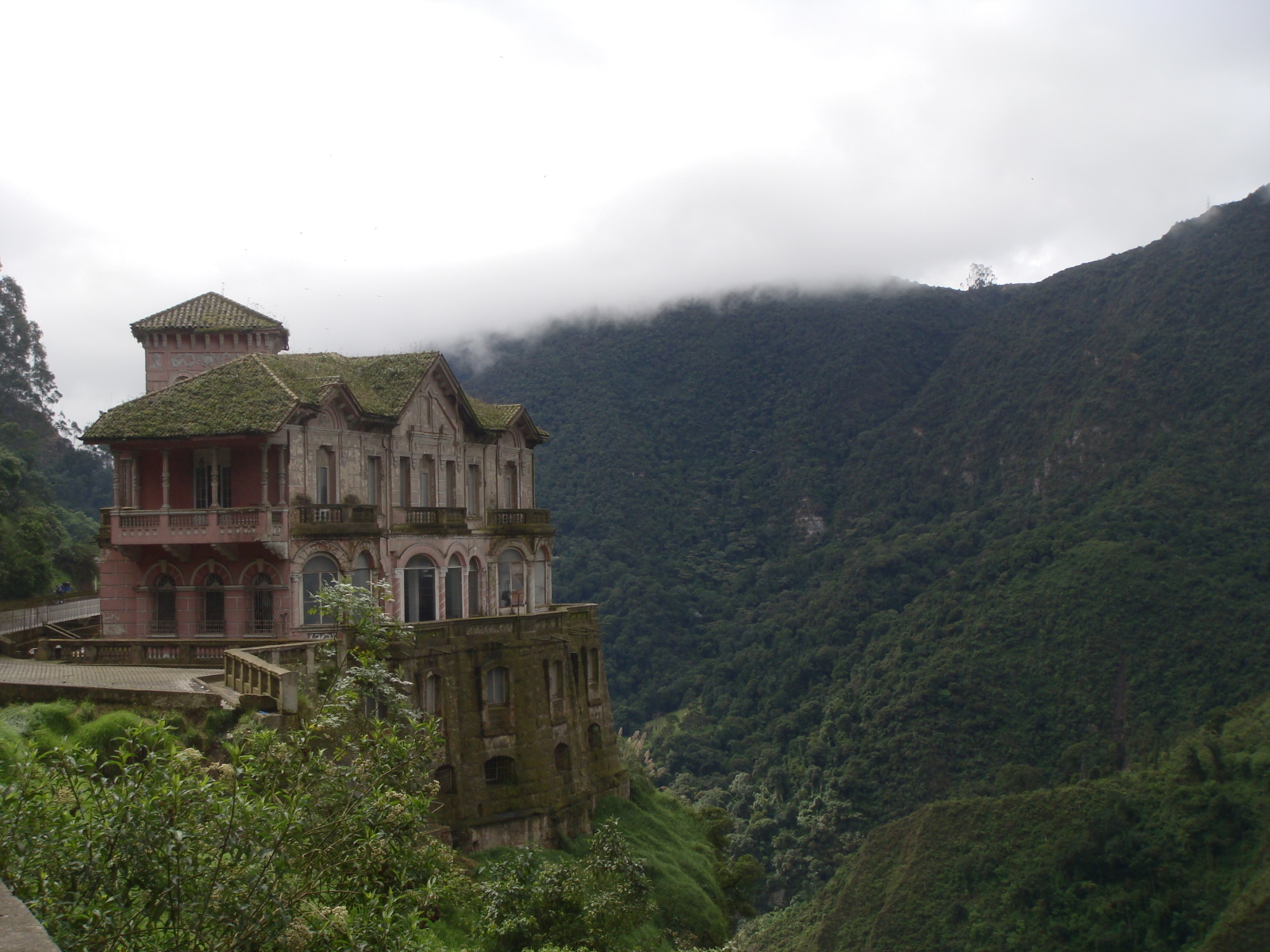 Deserted Places The Haunted Hotel At Tequendama Falls
