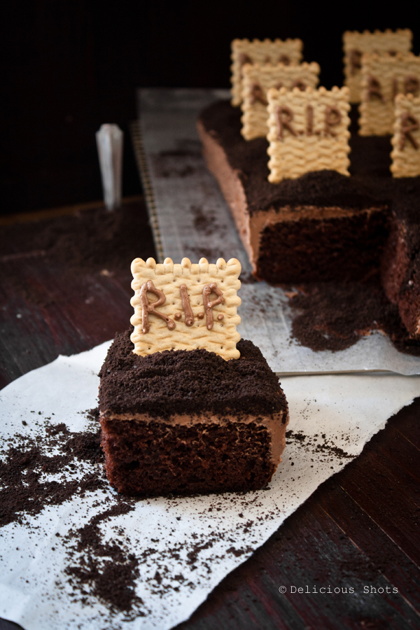 Printable Pictures Of Chocolate Cake : Delicious Shots: Halloween Chocolate Cake and Printable ...