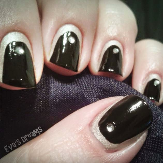 Nails of the week: Nail art design - Black + White