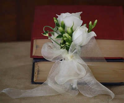 White Corsage - Franklin Plaza - Splendid Stems Event Florals