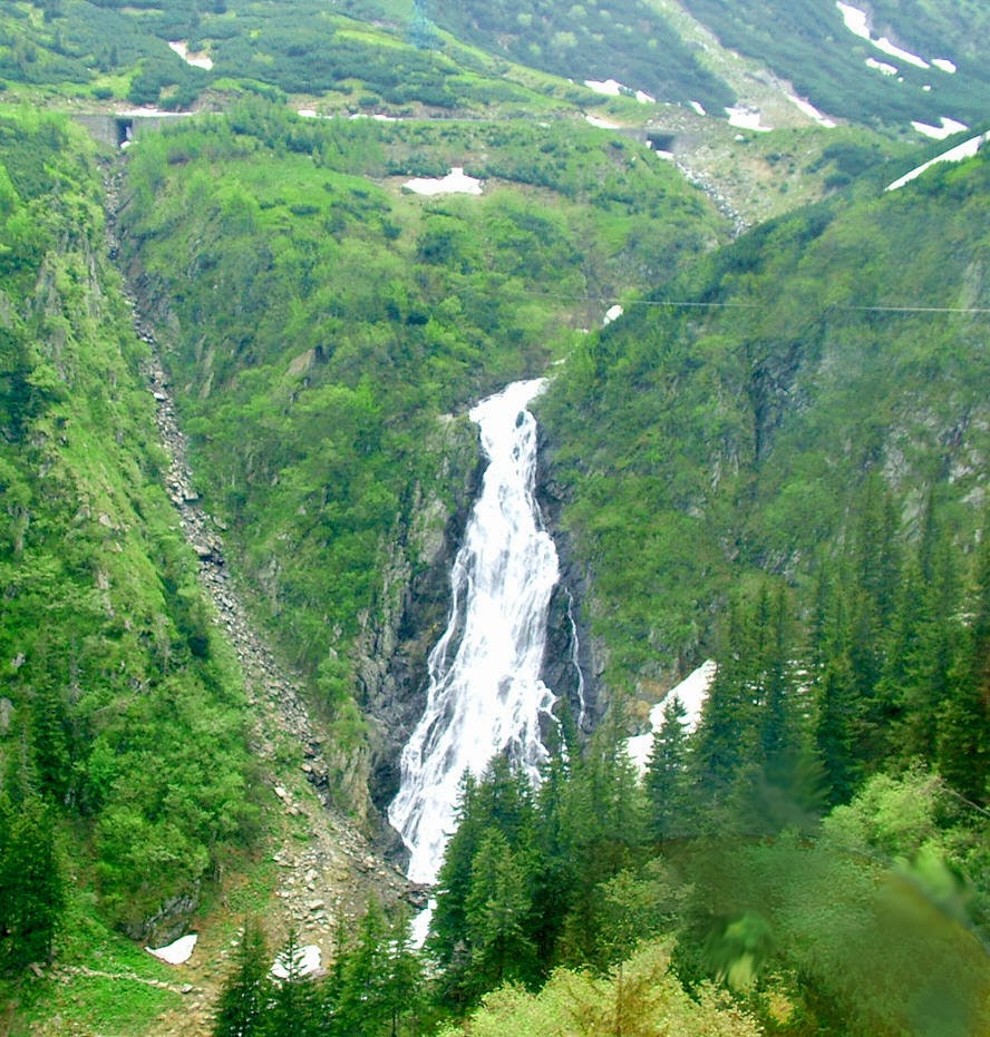 Most spectacular waterfalls in romania romania tours for Most spectacular waterfalls
