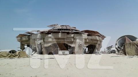 Edificio de Tatooine en las fotos del rodaje de Star Wars Ep. VII