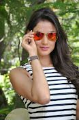 sonal chauhan latest glam pics-thumbnail-1