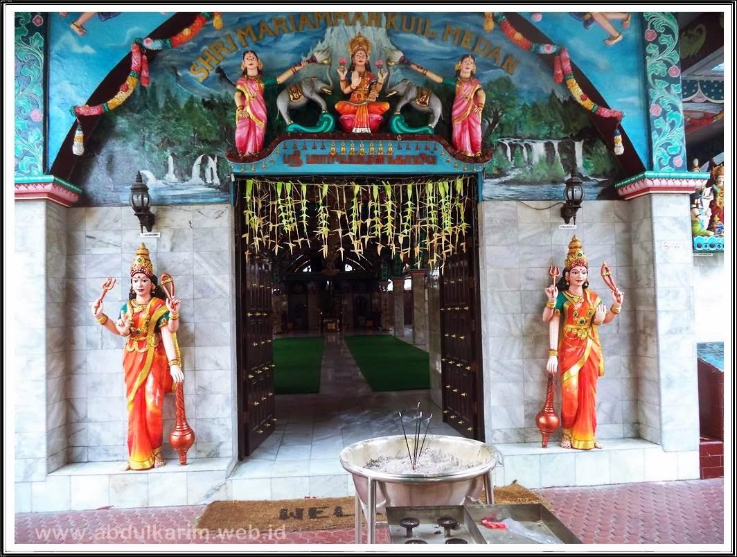 Pintu Masuk Kuil Shri Mariaman