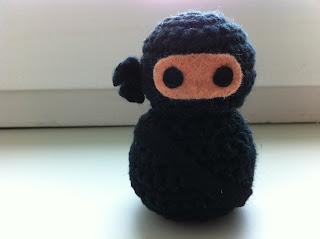 Geschenk für Kollegen: gehäkelter Ninja