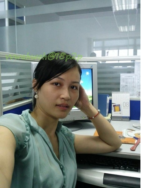 Very Beautiful Chinese office girlfriend's blow job photos leaked (40pix)