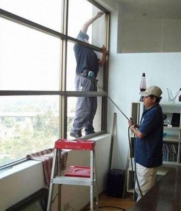 http://1.bp.blogspot.com/-rrkKTp62g5g/Uv3xkv5QRZI/AAAAAAAAp-w/ygwUSsmXx5M/s1600/14_men-safety-fails-30.jpg