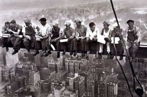 http://1.bp.blogspot.com/-rrrsIpxQ3yI/USvomaVBHwI/AAAAAAAABws/R-BsOKHooTY/s1600/economia-el-periodo-entreguerras-1918-1939-L-hOVNs_.jpeg