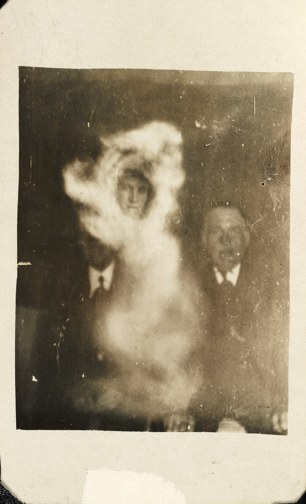 nuncalosabre. Fotografiando Fantasmas - William Hope