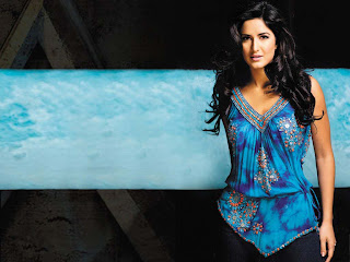 Katrina Kaif is one of eight siblings, all girls, from a mother who is a Caucasian of British Nationality, and a father who was formerly from Kashmir, India, but who has since acquired British citizenship. Her mother is now re-settled in Chennai (formerly known as Madras), the Capital of the state of Tamil Nadu in India.