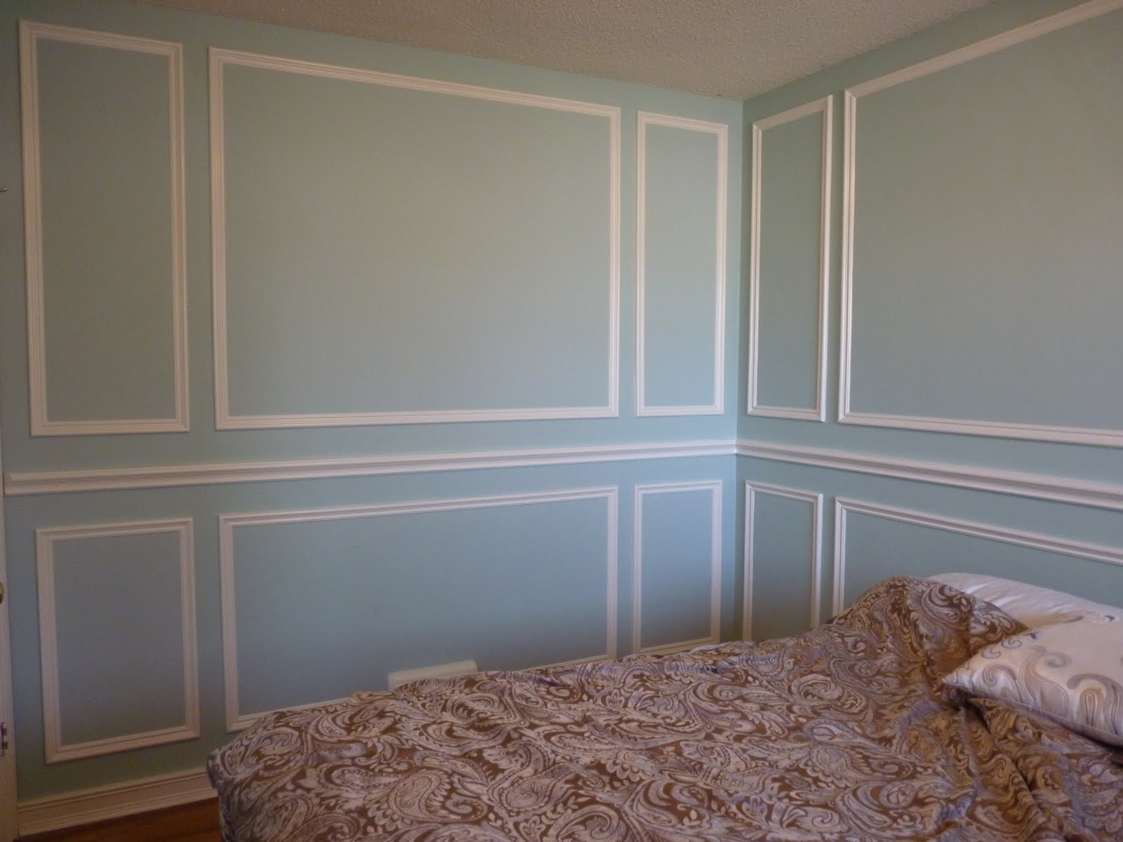 d i y d e s i g n installing molding panels. Black Bedroom Furniture Sets. Home Design Ideas
