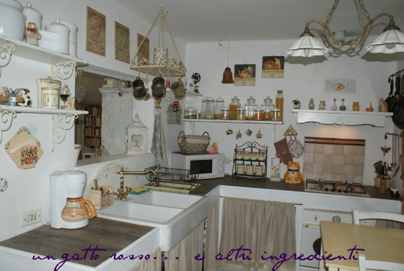 Emejing cucina in muratura con tendine ideas home interior ideas - Tendine per cucina in muratura ...