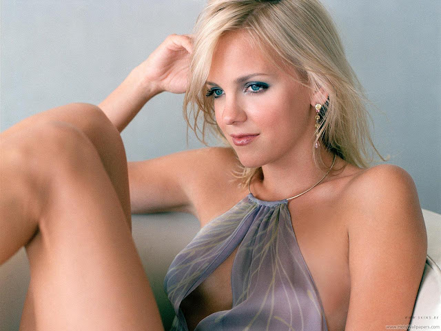 Anna Faris Latest Photo Shoot