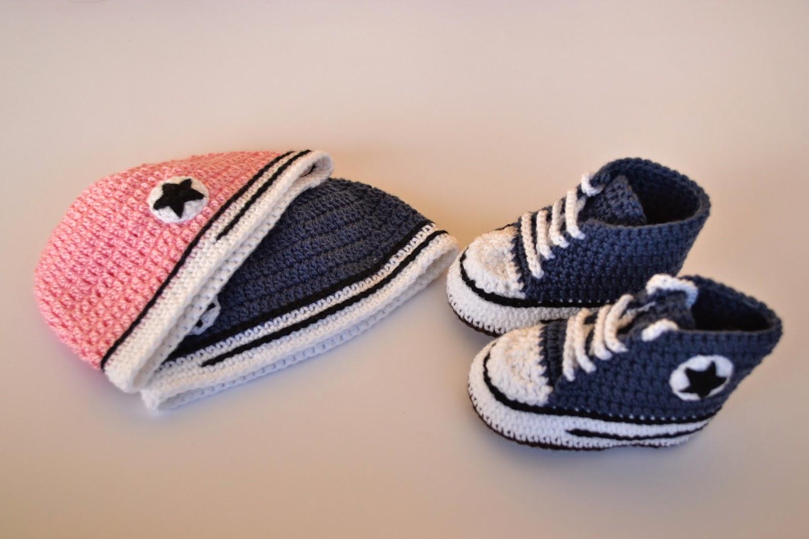 Baby Boots: Gorros de crochet estilo Converse