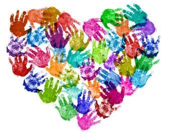 Coração com carimbos das mãozinhas | Pra Gente Miúda