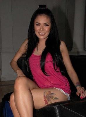 Sexy Tattoo di Paha Nikita Mirzani