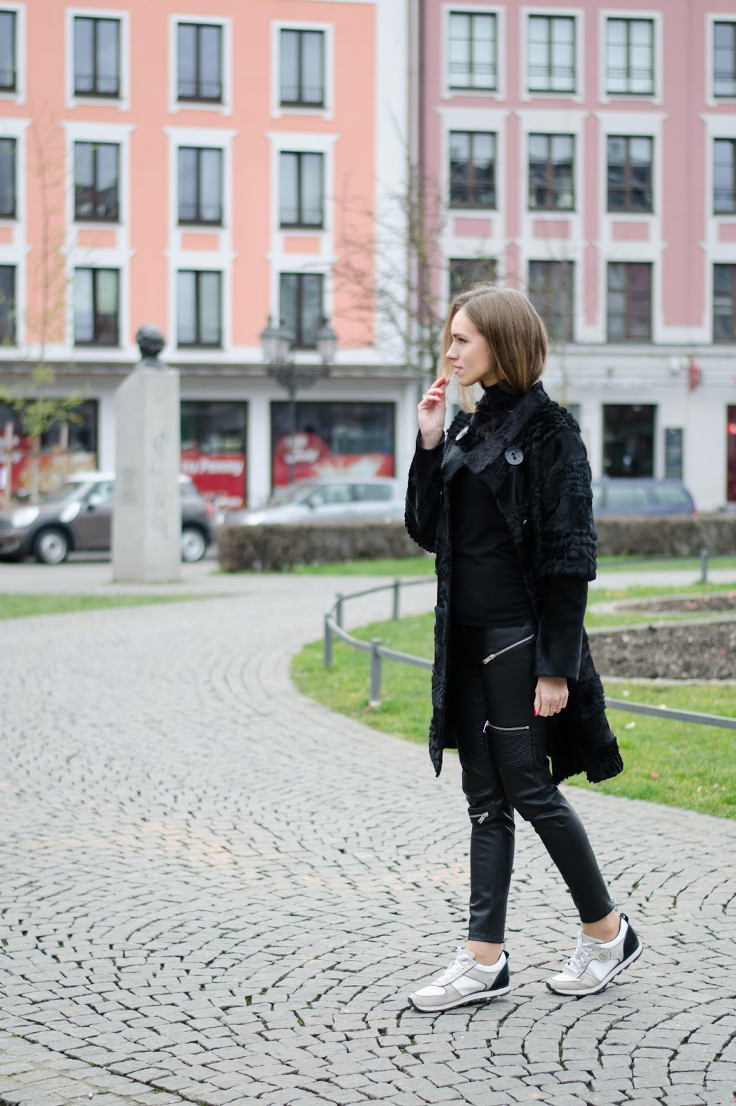 kristjaana mere black fur coat casual winter outfit