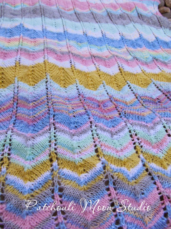 Patchouli Moon Studio Knit Zigzag Baby Blanket