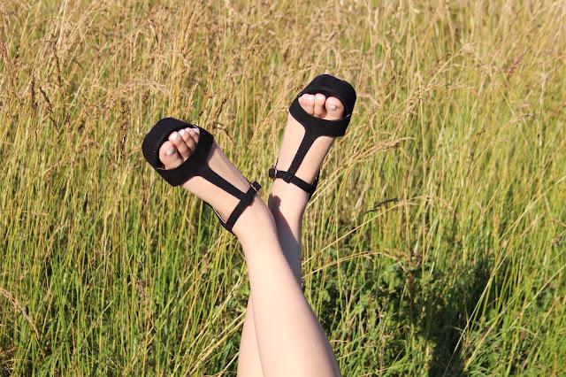 Sandalen Schuhtempel24 in schwarz