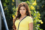 Komal Jha unseen photos gallery-thumbnail-2