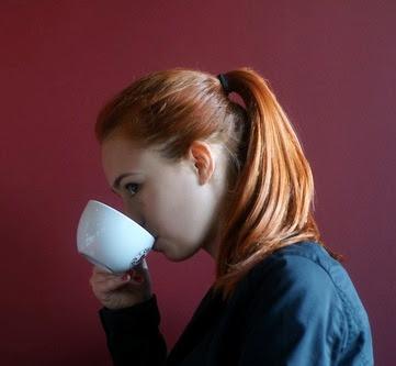 EL MEJOR MARIDO - Mujer+tomando+cafe+2