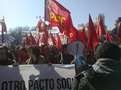 [Madrid] Fotos del bloque comunista (CJC, UP, PCPE, UJC-M) en la manifestación del 19F 19022012113