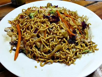 Lon Hu Restaurante: Yakissoba Vegetariano