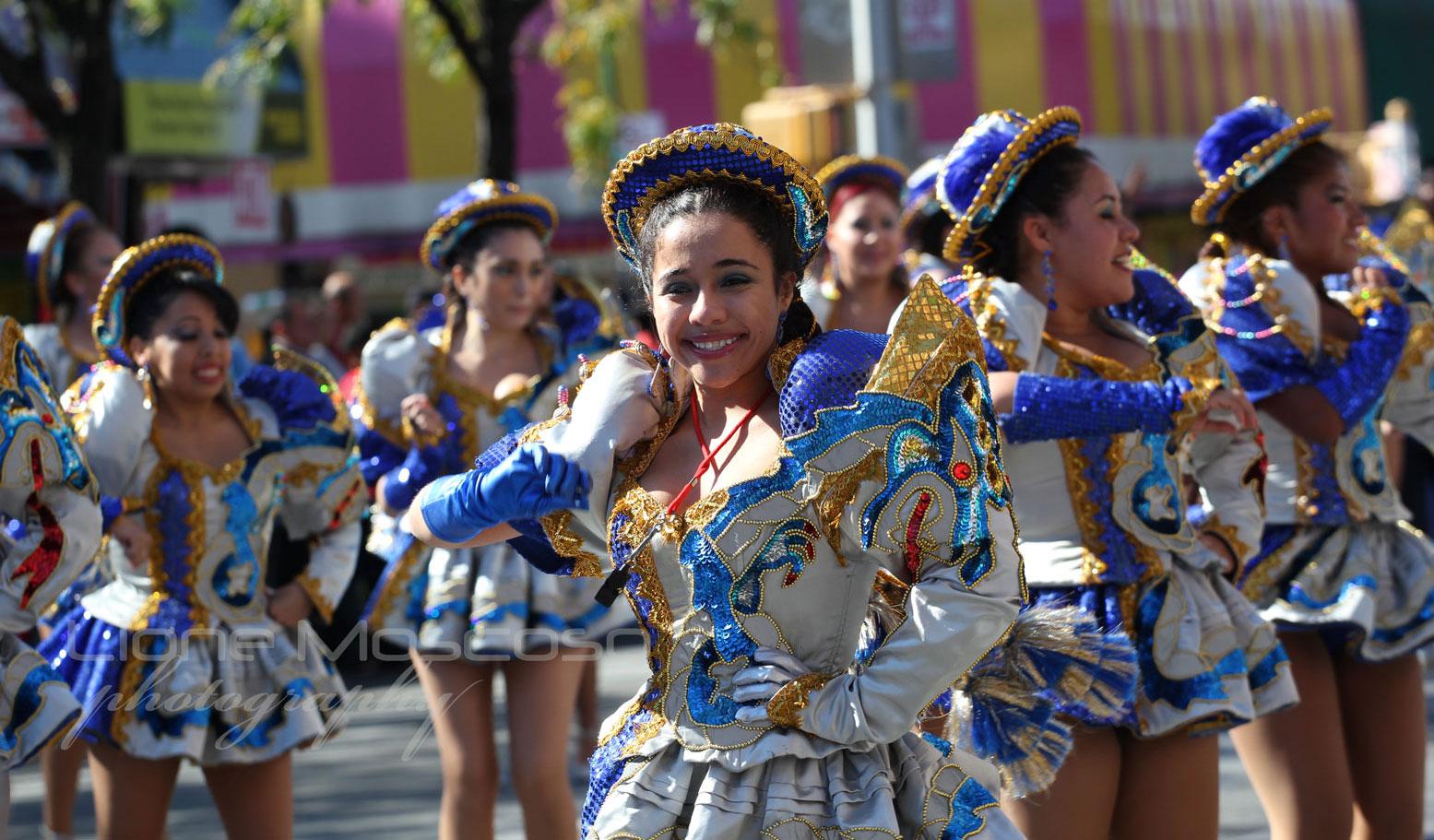 danzas bolivianas chicas Caporales San Simon bloque New York USA