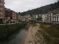 Río Negro en Luarca. Black river of Luarca.