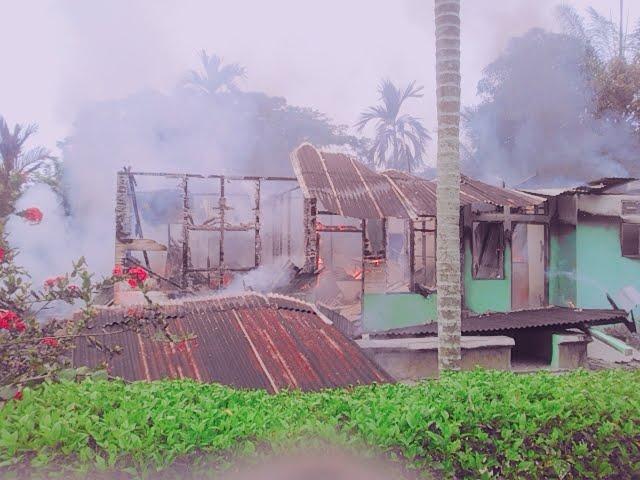 Dua Rumah di Desa Batu Melenggang Hangus Terbakar