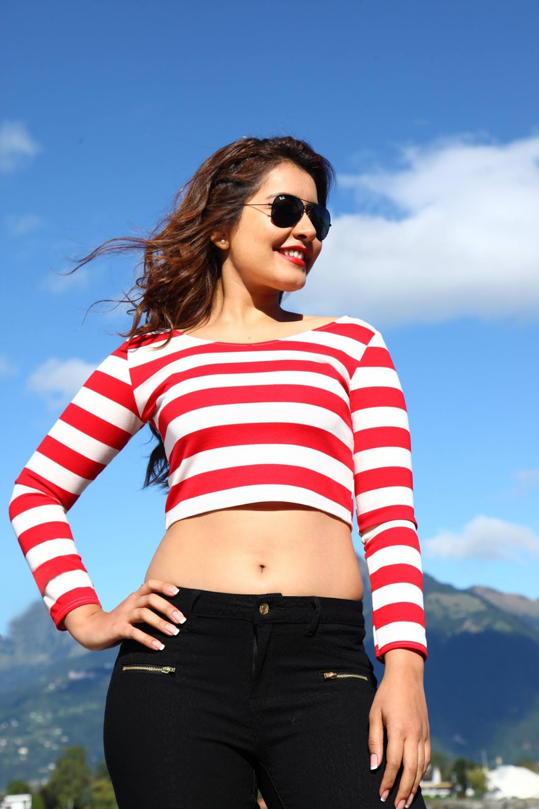 khanna latest hot navel show stills in black jeans   rashi khanna