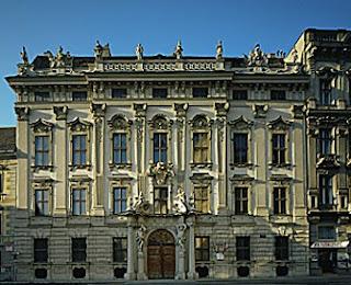Fachada del Palacio Daun Kinski