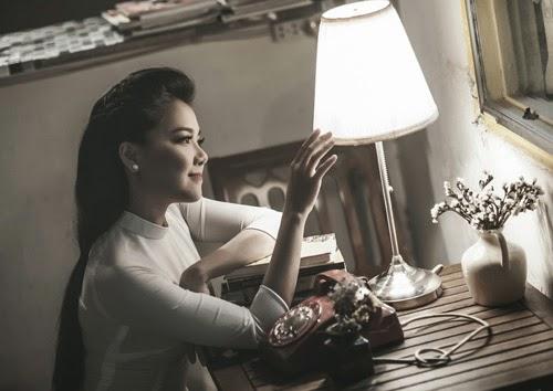 Thanh Ngọc dịu dàng với áo dài trắng