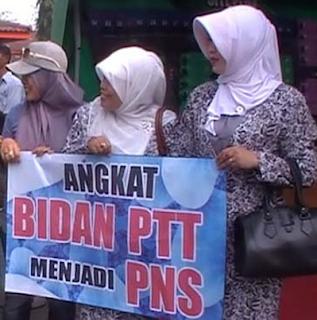 Janji Menpan RB Angkat Bidan Desa PTT Menjadi CPNS 2016