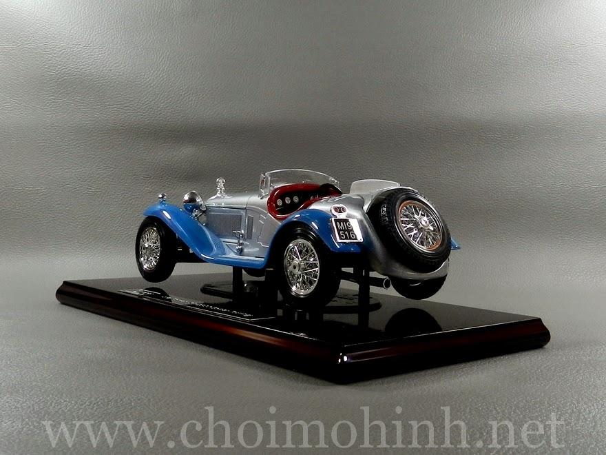 Alfa Romeo 8C Spider Touring 1932 1:18 bBurago back