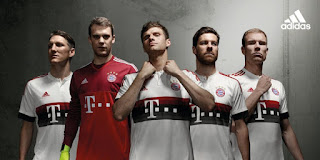 gambar desain jersey musim depan kualitas grade ori di enkosa sport Gambar para pemain menggunakan jersey Bayern Munchen away musim depan 2015/2016